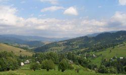 З високої Кичери видно все село Рекіти